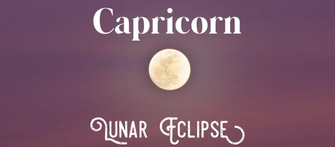 Full moon in cap pic